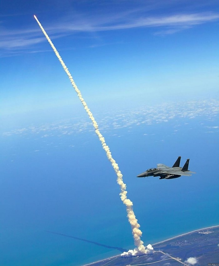Fighter escort to shuttle launch